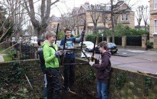 Image of DofoE students clearning ETNA garden